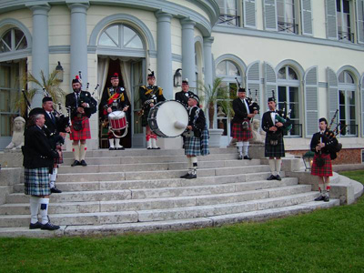 Pipe Band Montmartre Highlanders Chateau pour Canal+